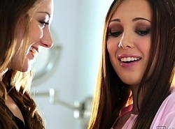 Lesbian Excuse oneself Sex Wide Remy LaCroix coupled with Jenna Sativa