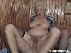 Bazaar Bertha Granny Gets Humped